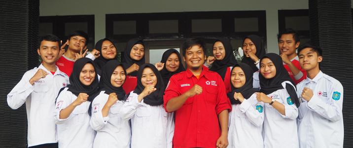 Alumni AKPER Aktif Membina Korps Sukarela (KSR)